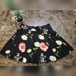 Forever 21 Floral Pleated Skirt Size Small